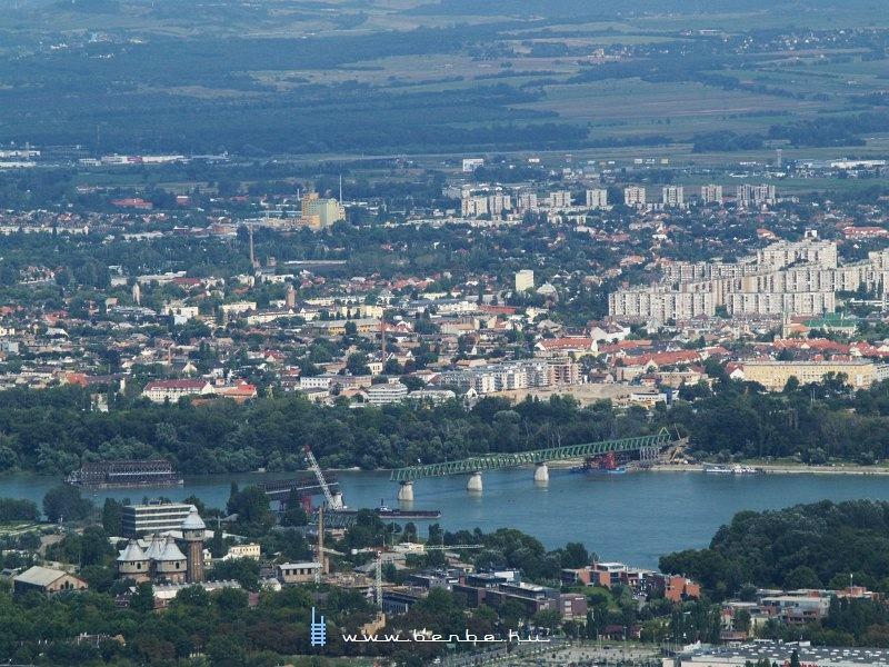 Újabb kép a magasból, ezúttal a Hármashatár-hegyrõl fényképeztem fotó
