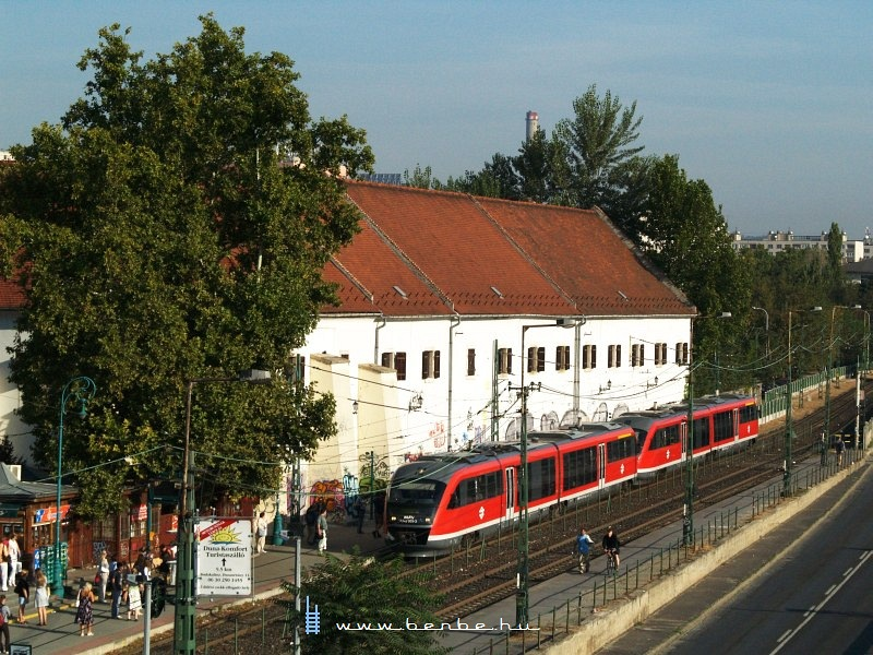 6342 005-3 az Árpád-hídnál fotó