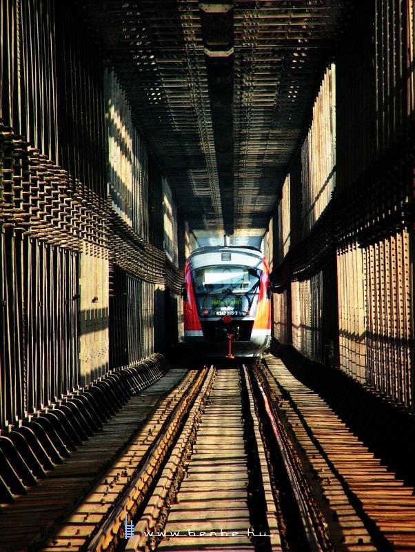6342 005-3 az Újpesti vasúti hídon fotó