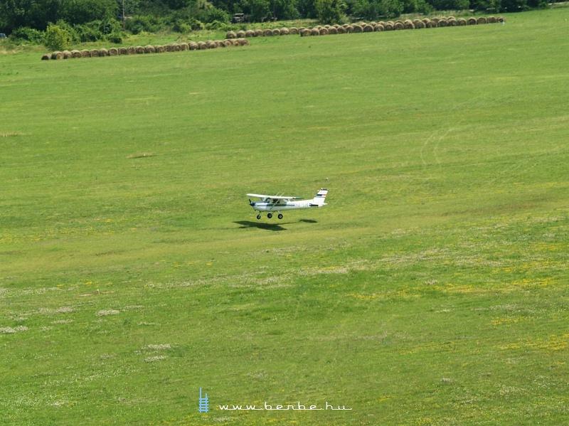 Egy Cessna a Buda�rsi rep�l�t�ren fot�