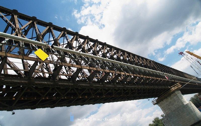 Át a híd alatt fotó