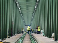 The final measurements on �jpest Railway Bridge