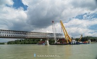 The Clark �d�m floating crane at work