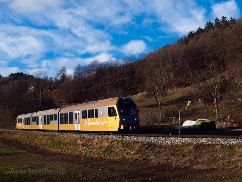 A Himmelstreppe railcar seen between Mainburg and Hofstetten-Grünau  photo