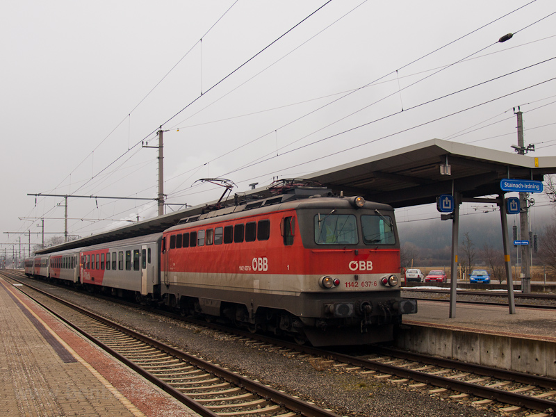 The ÖBB 1142 637-6 seen at  photo
