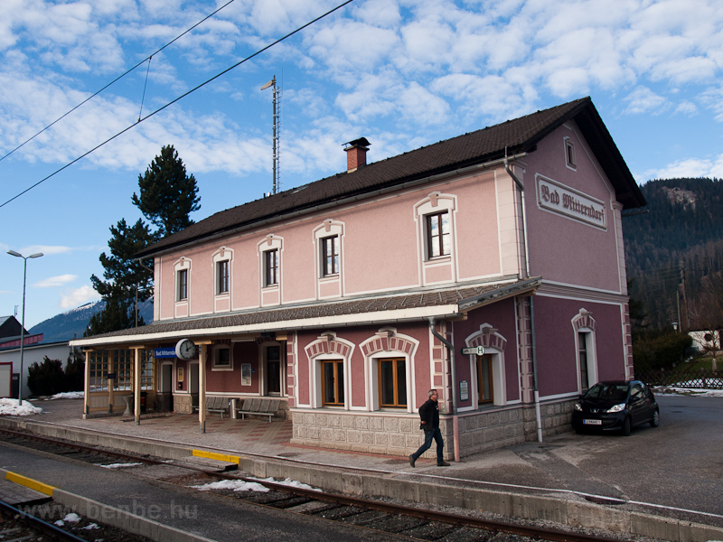 The station building of Bad photo