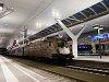 A MÁV-TR 470 010 <q>Aranycsapat</q>-Taurus Salzburg Hauptbahhof állomáson egy Wörgl-ből érkezett ingavonattal