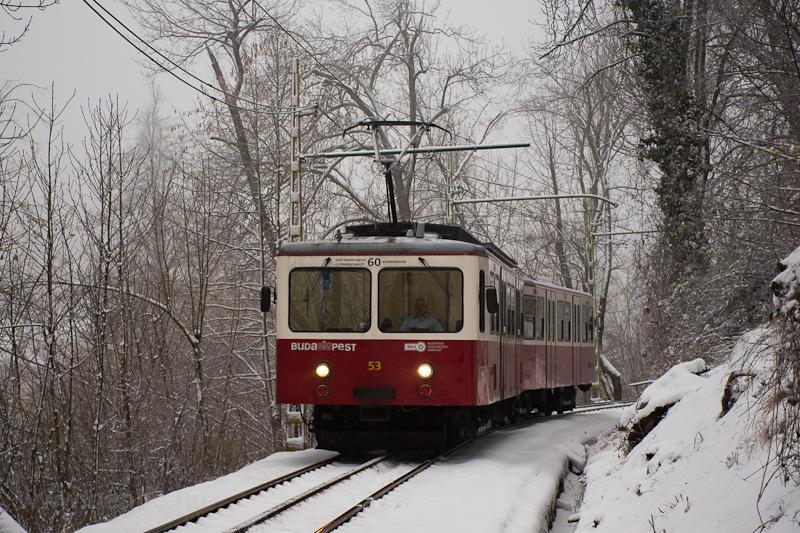 A Fogaskerekű Vasút (60-as villamos) SGP 53 motorkocsi Művész út és Sváb-hegy között fotó
