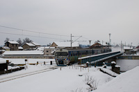 The HŽ 6 111 022 seen between Karlovac and Karlovac Centar
