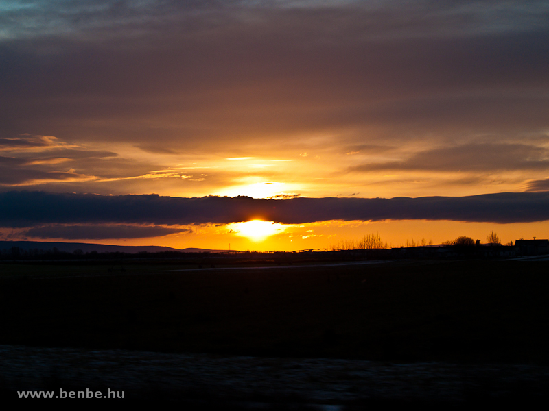 Napkelte valahol Győr előtt fotó
