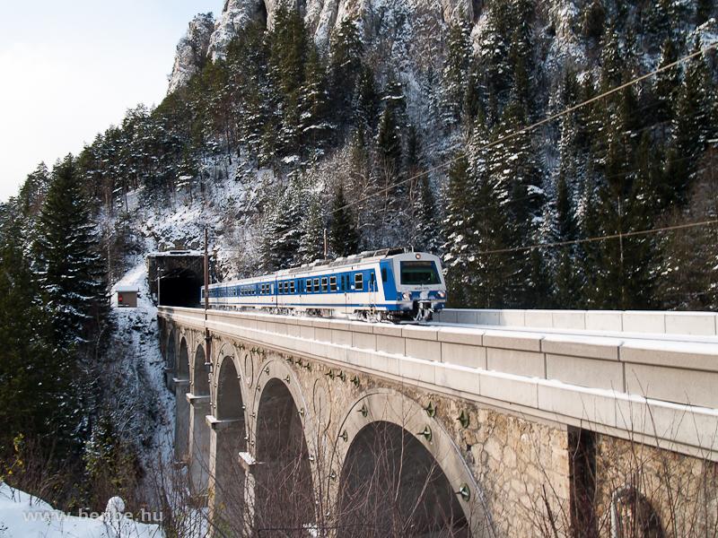 Az ÖBB 4020 205-3 pályaszámú villamos motorvonata a Krausel Klause-Viadukton fotó