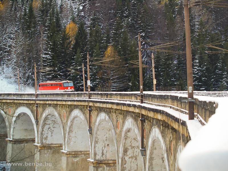 Az ÖBB 1142 680-6 a Kalte Rinne-Viadukton fotó