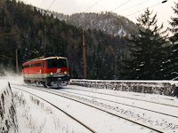 The ÖBB 1142 680-6 on the Kalte Rinne-Viadukt