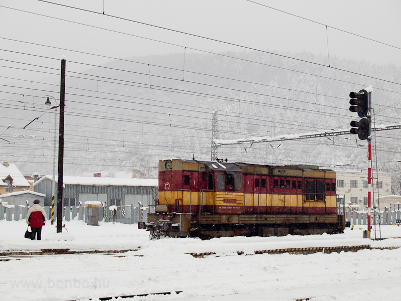 The ŽSSKC 742 398-1 is preparing to push a stopping train out from Margitfalva (Margecany, Slovakia), where the catenary was grounded for inspection photo