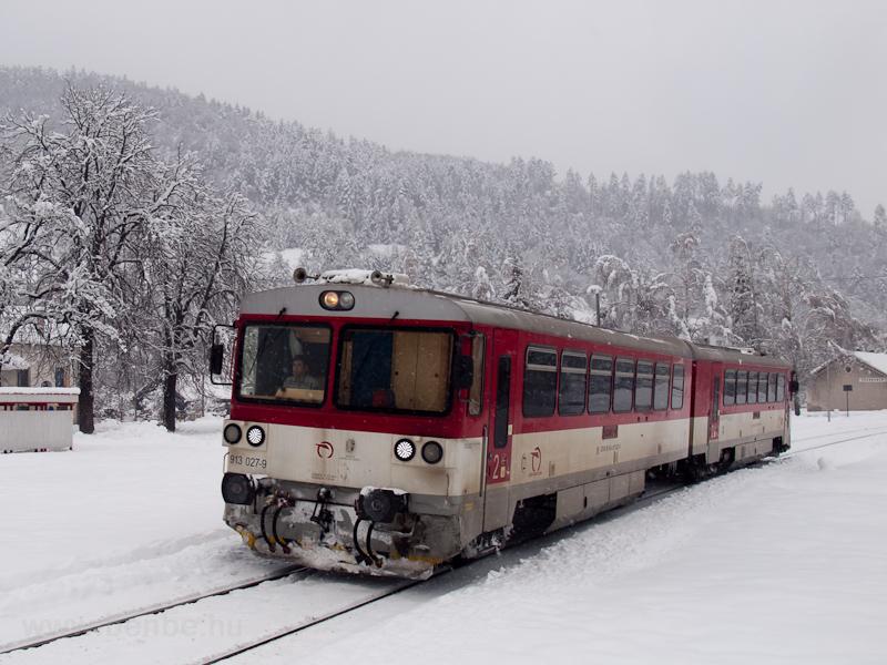 A ŽSSK 913 027-9 Máriahuta-Zakárfalva (Žakarovce, Szlovákia) megállóhelyen fotó