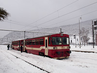 The ŽSSK 812 025-5 seen at Margitfalva station (Margecany, Slovakia)