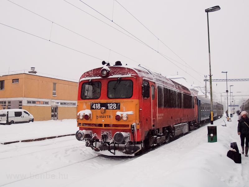 A MÁV-TR 418 128 Szeged személypályaudvaron fotó