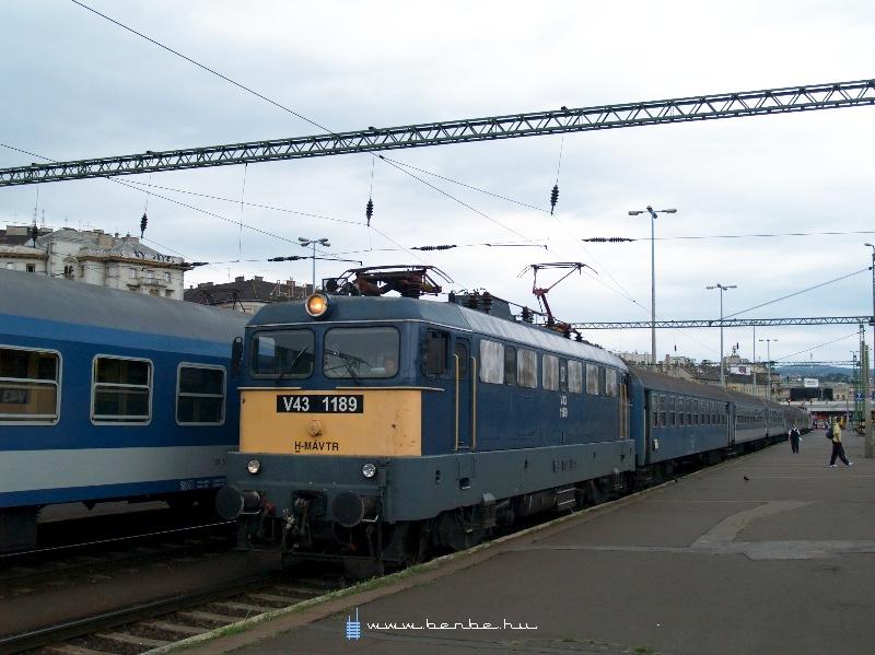 V43 1189 a Déli pályaudvaron fotó