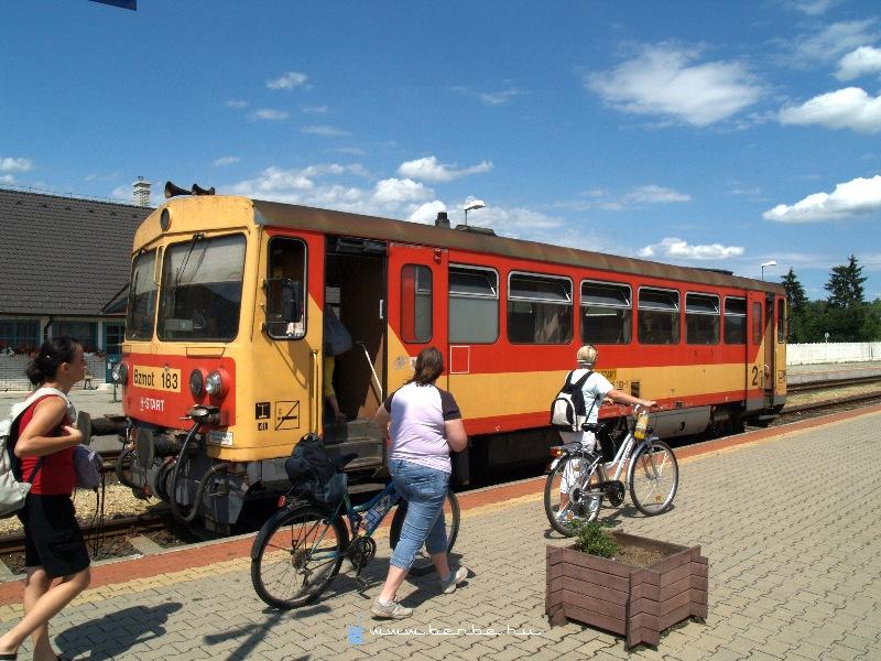 Bzmot 183 Zalalövõ állomáson fotó