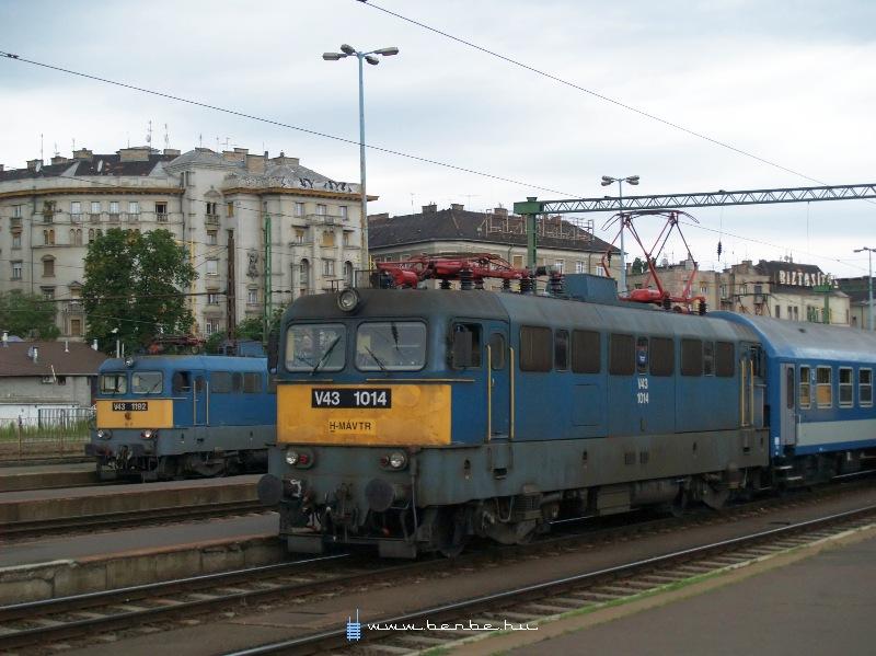 V43 1014 és 1192 a Déli pályaudvaron fotó