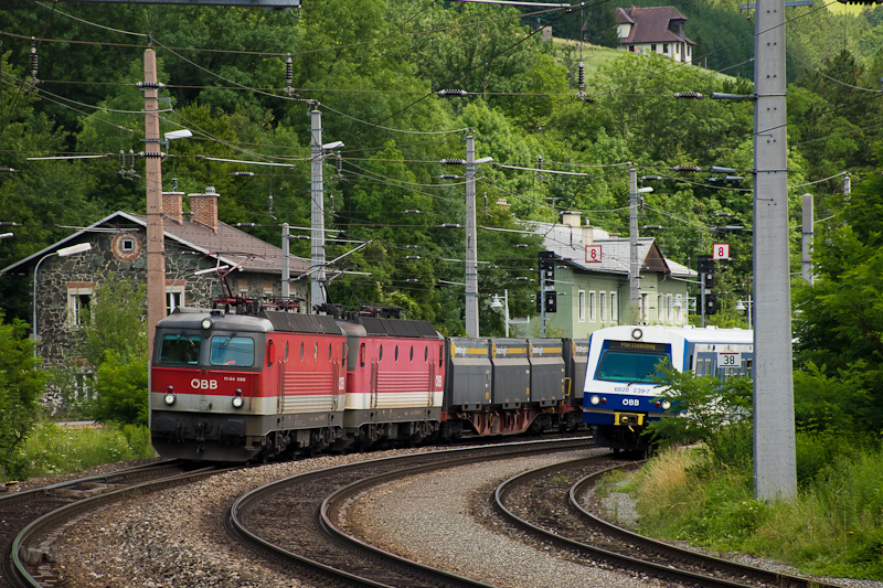 The ÖBB 1144 095 and the 11 picture