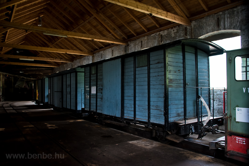 Freight cars of the Höllent photo