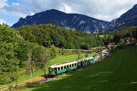 The Höllentalbahn TW 1 seen between Kurhaus and Payerbach-Reichenau