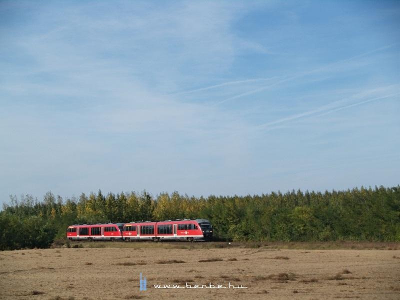 Motorvonat az Alföldön, Örkénynél fotó