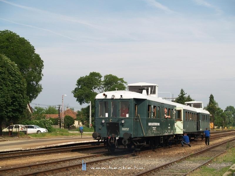 ABnymot 502 Ócsa állomáson fotó