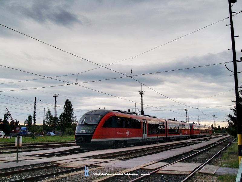 A 6342 003-8 pályaszámú, Piliscsabára tartó Desiro Óbuda állomáson fotó