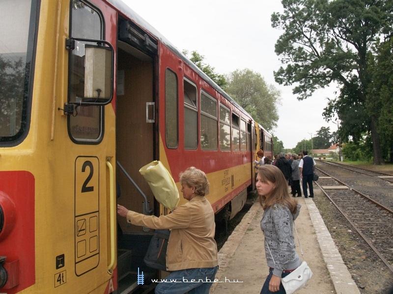 Csúcsforgalom Tiszaalpáron fotó