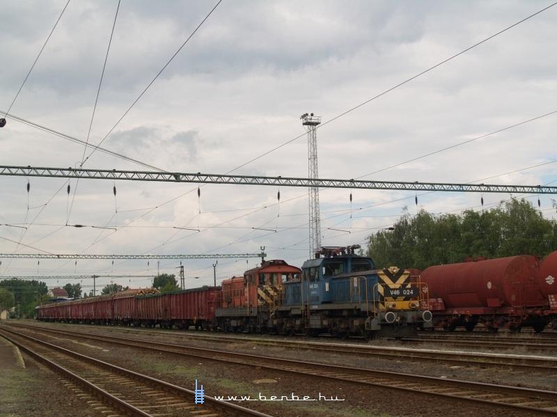 V46 024 és M44 503 Kecskeméten fotó
