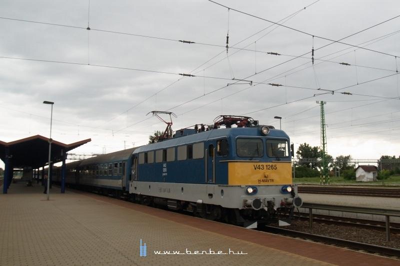 V43 1265 Cegléden fotó