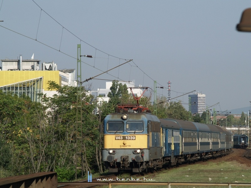 V43 1339 Zuglóban fotó