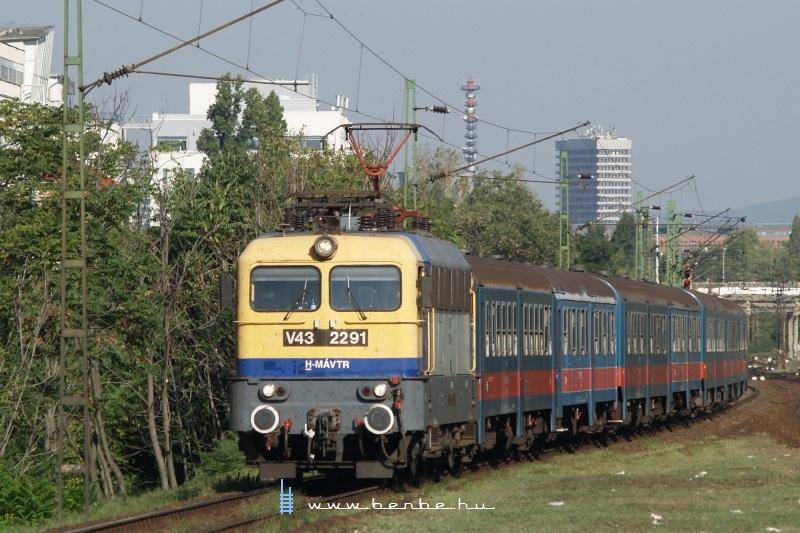 V43 2291 Zuglóban fotó