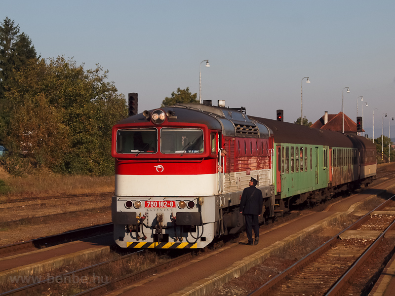 The ŽSSK 750 182-8 seen at Nyitra (Nitra, Slovakia) photo