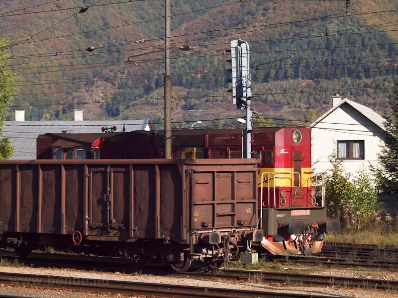 A ŽSSKC 742 006-0 Ruttka állomáson fotó