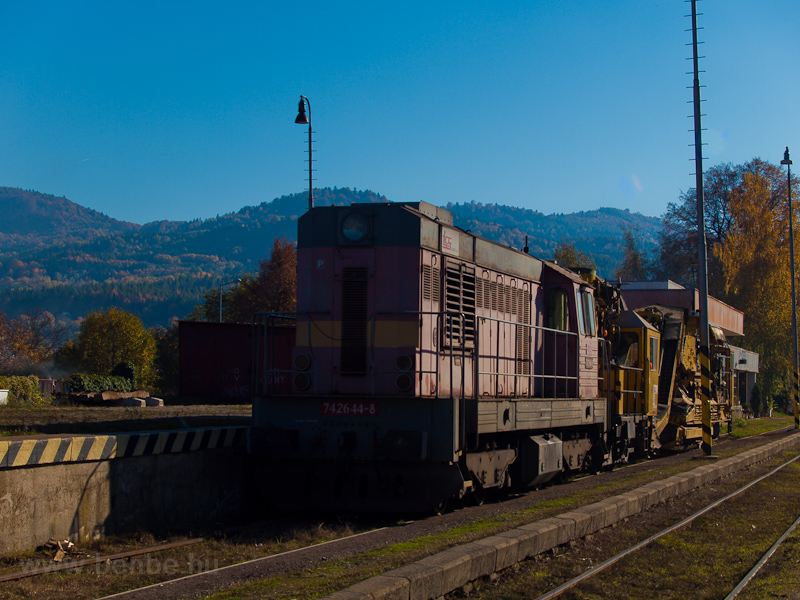 The ŽSR 742 644-8 seen photo