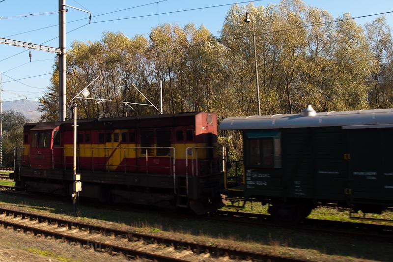 A ŽSSKC 742 227-2 Újbánya (Nová BaŇa) állomáson fotó