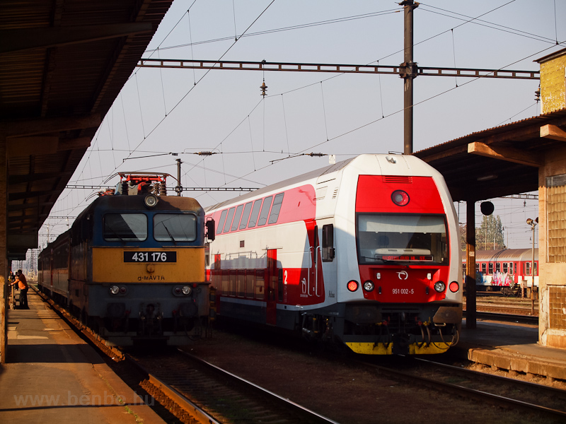 The ŽSSK 951 002-5 and photo