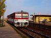 A ŽSSK 812 057-8 Stubnyafürdő megállóhelyen