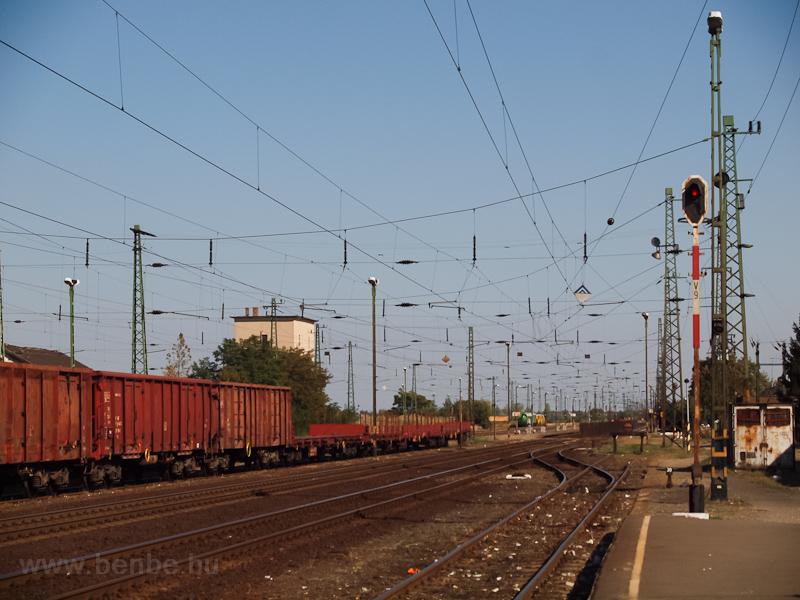 A vicinális körbejáróvágánya és vonatfogadó-vágánya Vámosgyörkön fotó