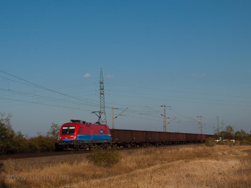 A 1116 045 tehervonattal Nagyúton fotó