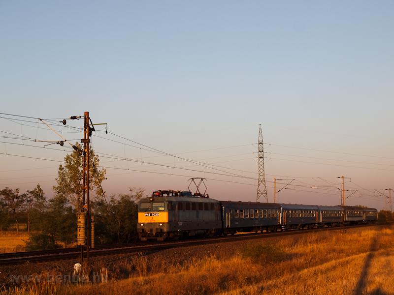 V43 1020 Nagyút és Ludas között fotó