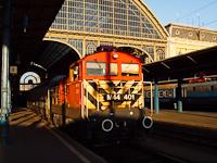 A 242,001 a Nyugati pályaudvaron