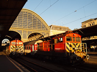 The M44 401 and M44 420 at Budapest-Keleti
