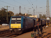 The 480 001 'Kand� K�lm�n' broke down on the head of an InterCity