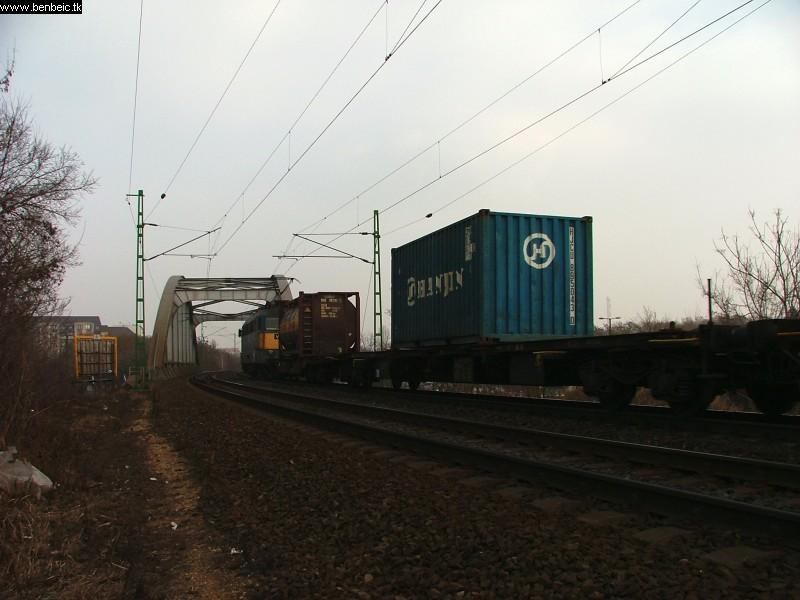 V43 1126 a Bartók Béla úti felüljárónál fotó