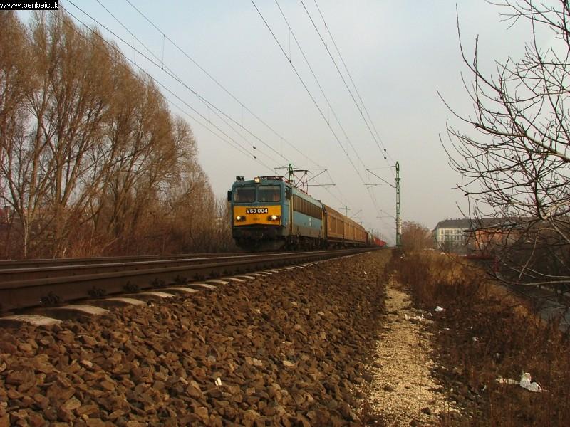 V63 004 Kelenföld és Ferencváros között fotó