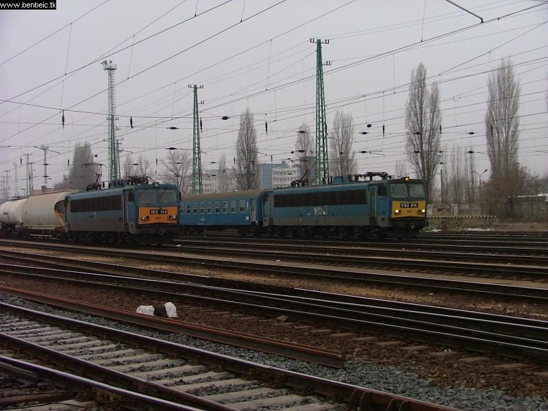 V63 014 Ferencvárosban fotó
